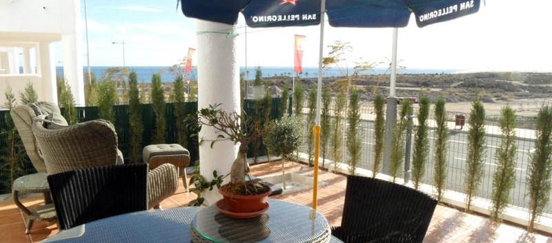 terrace1_l.jpg