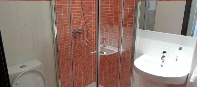 shower1_l.jpg