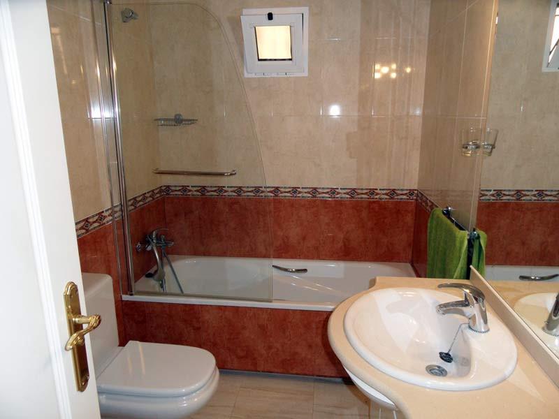 bathroom-l.jpg