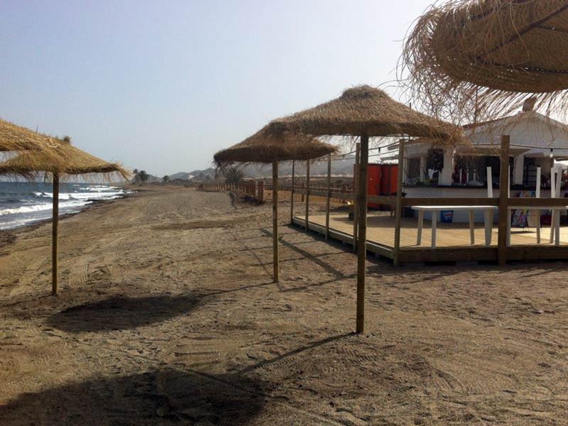 beachbar_l.jpg