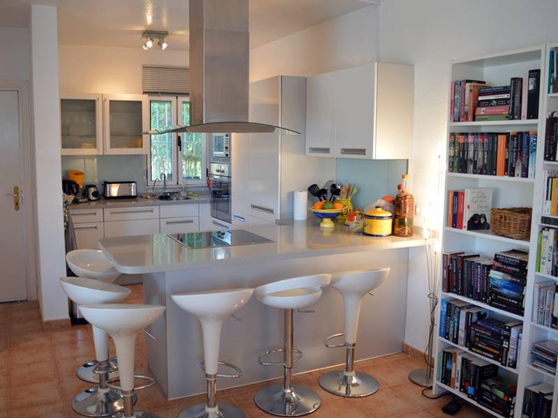 kitchen_l.jpg
