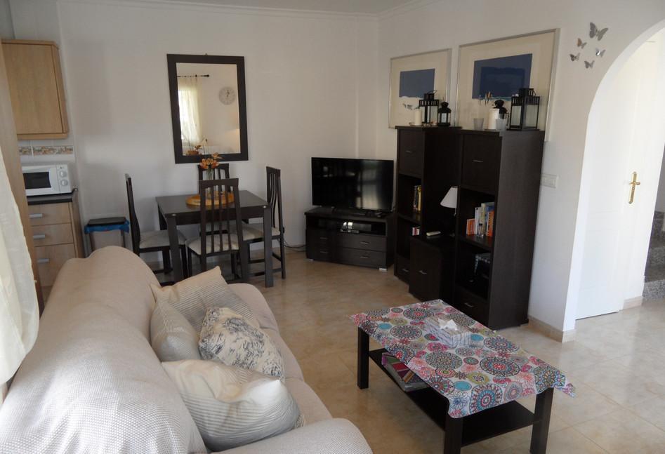 lounge02.JPG