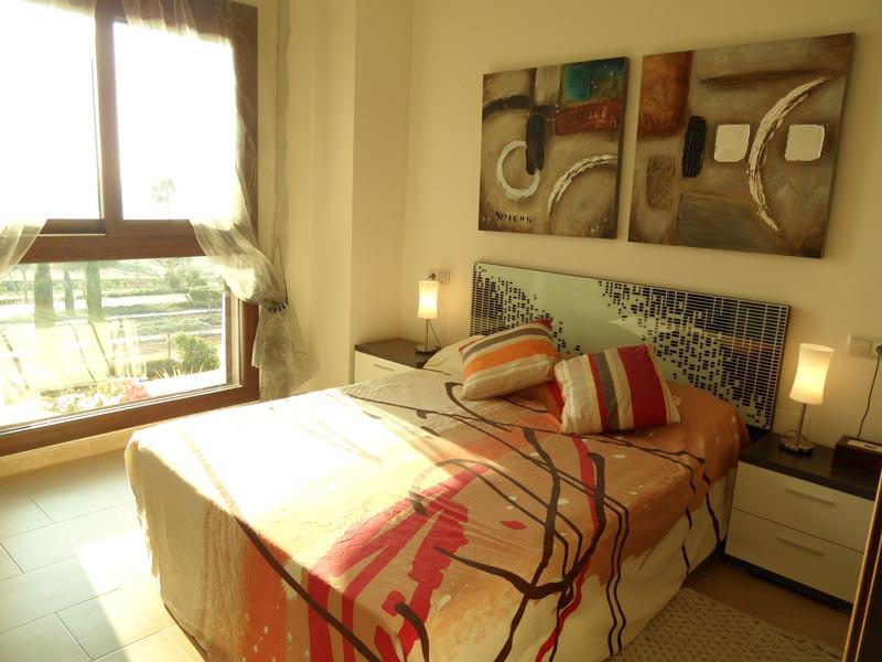 bedroom1_l.jpg