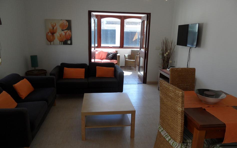 elena-lounge1.JPG