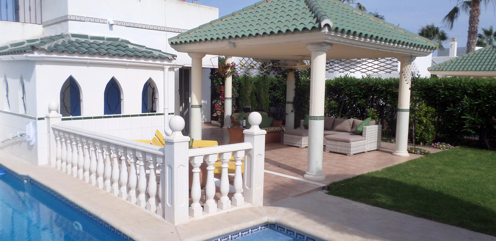 Pool-garden-5.jpg