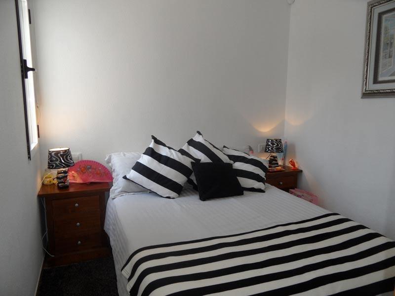 bed2_l.jpg