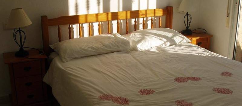 bed1-l.jpg