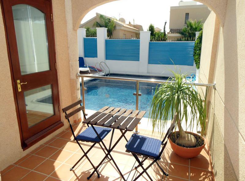 pool2_l.jpg