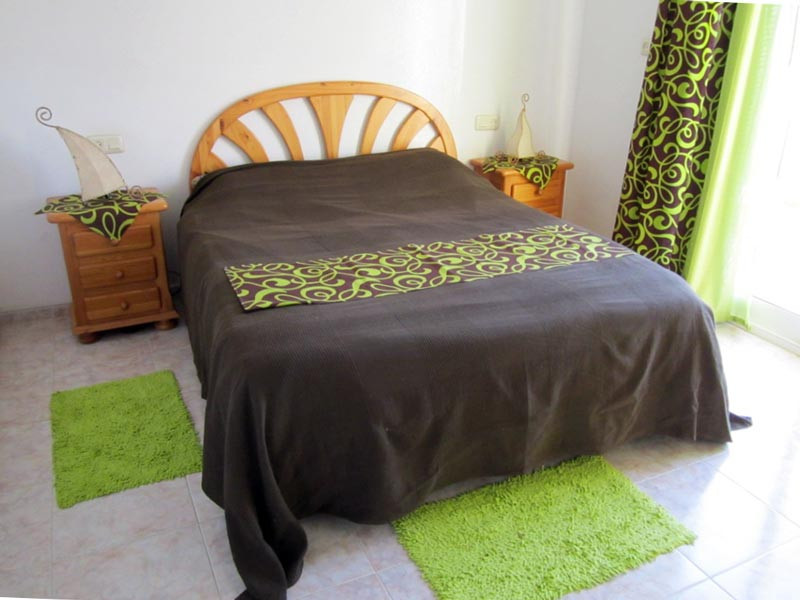 bed1_800x600.jpg