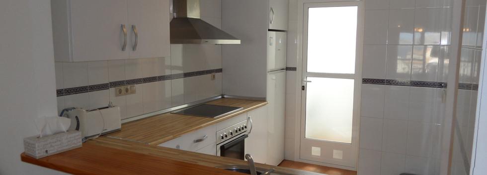 402a_kitchen.JPG