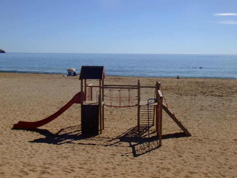 beachplayarea2_l.jpg