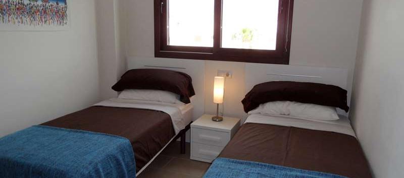 bedroom2_l.jpg