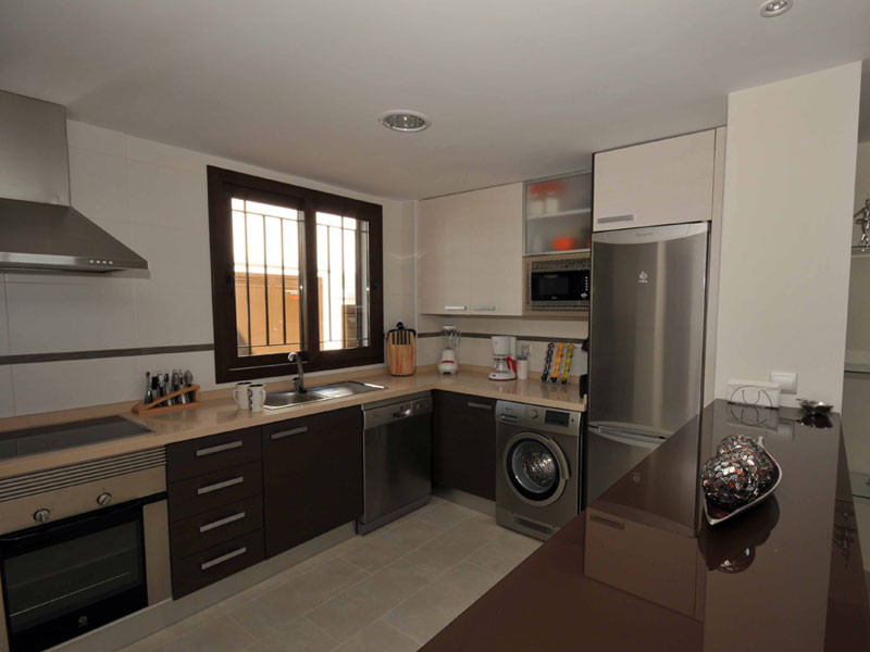 kitchen1_l.jpg