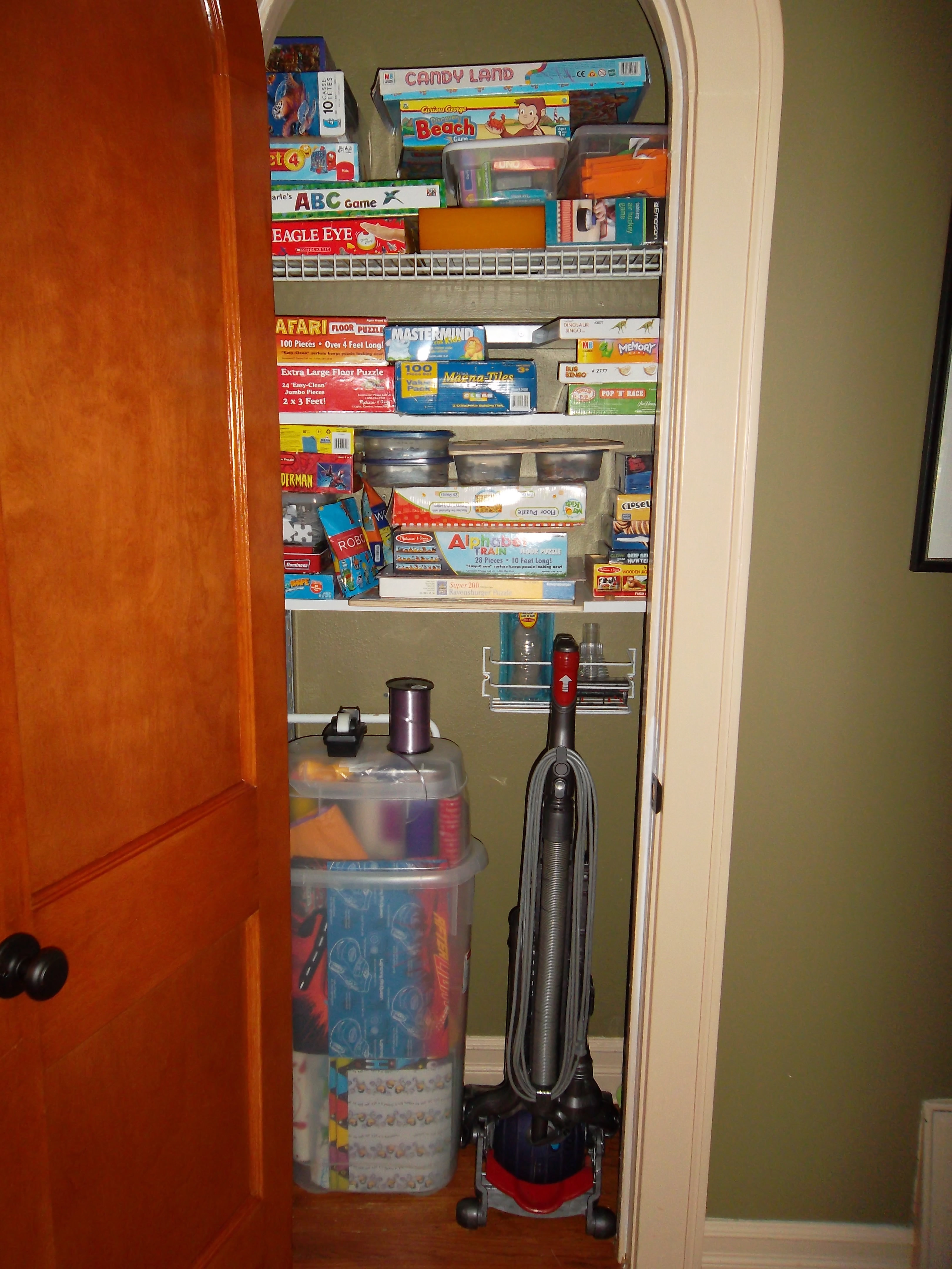 Games & Wrapping Closet AFTER