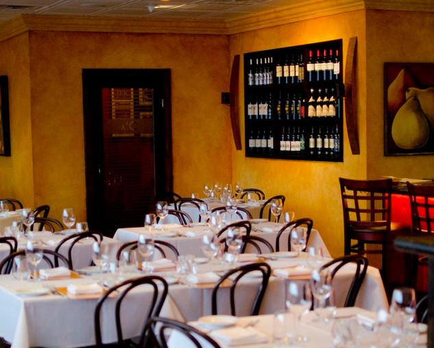 Indoor-Italian-Arturo-Restaurant.jpg