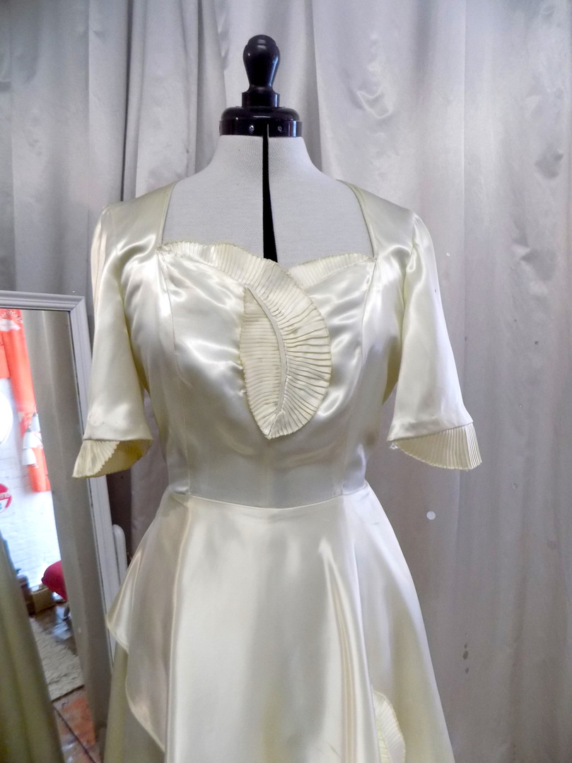 """Danielle"" wedding dress"