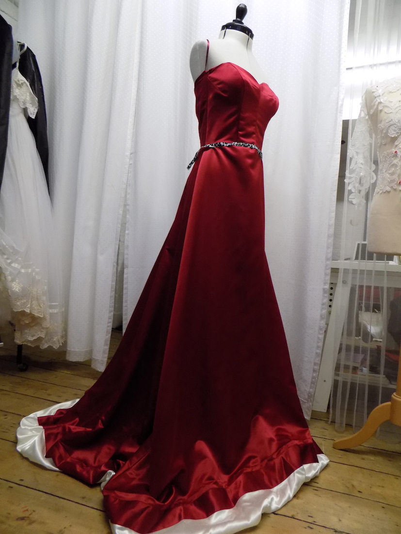 Retro red gown