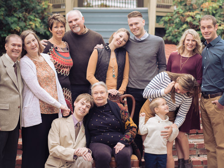 PLODZIEN | LIFESTYLE FAMILY SESSION at ST. CHARLES MAIN STREET