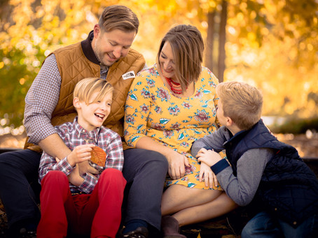 WOODWARD | LIFESTYLE FAMILY SESSION at ST. CHARLES MAIN STREET