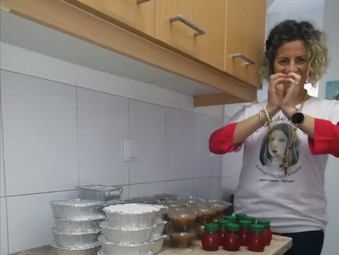 Refeição doada para famílias em Lisboa, Portugal