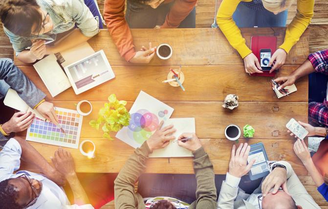 Os benefícios de se contratar um studio digital. Um novo modelo de negócios baseado em coworking e c