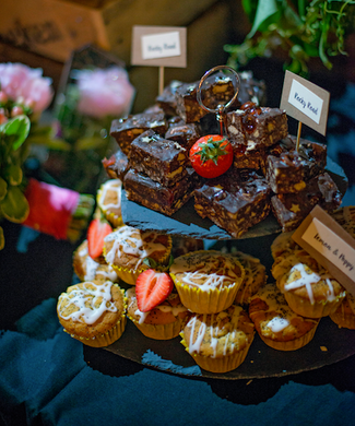 slate cupcake stand real wedding