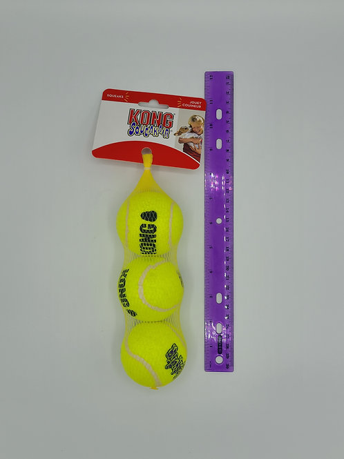 Kong Medium Squeaking 3 Pack Balls