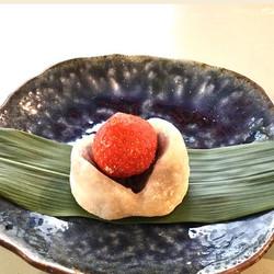 いちご大福 - Strawberry Daifuku