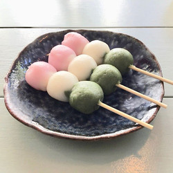 三色団子 - Sanshoku Dango