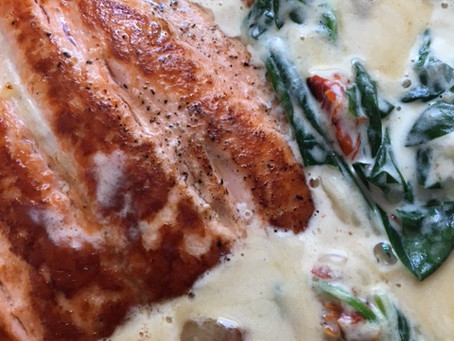 Creamy Tuscan Salmon with Garlic, Spinach and Sun-dried Tomatoes
