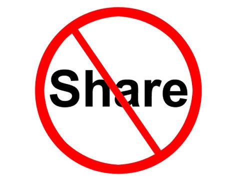 do-not-share-contact-lenses-dangerous-3.