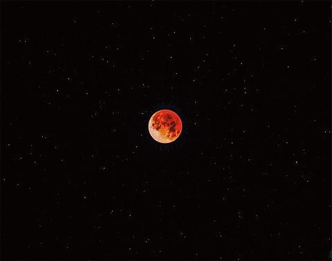 moon josh-kahen-576124-unsplash.jpg