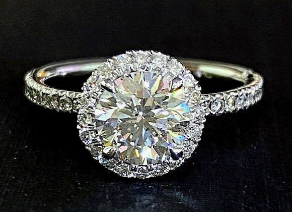 1.50 Ct round diamond engagement Ring with Halo
