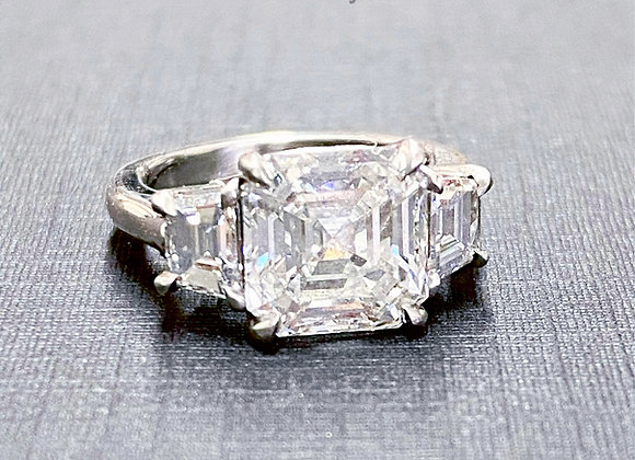 Asher Center 3 stone Engagement ring, Trapezoid sides