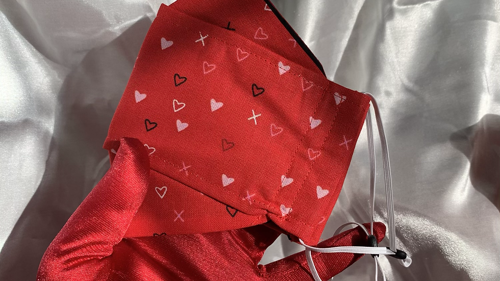 XOXO red hearts facemask