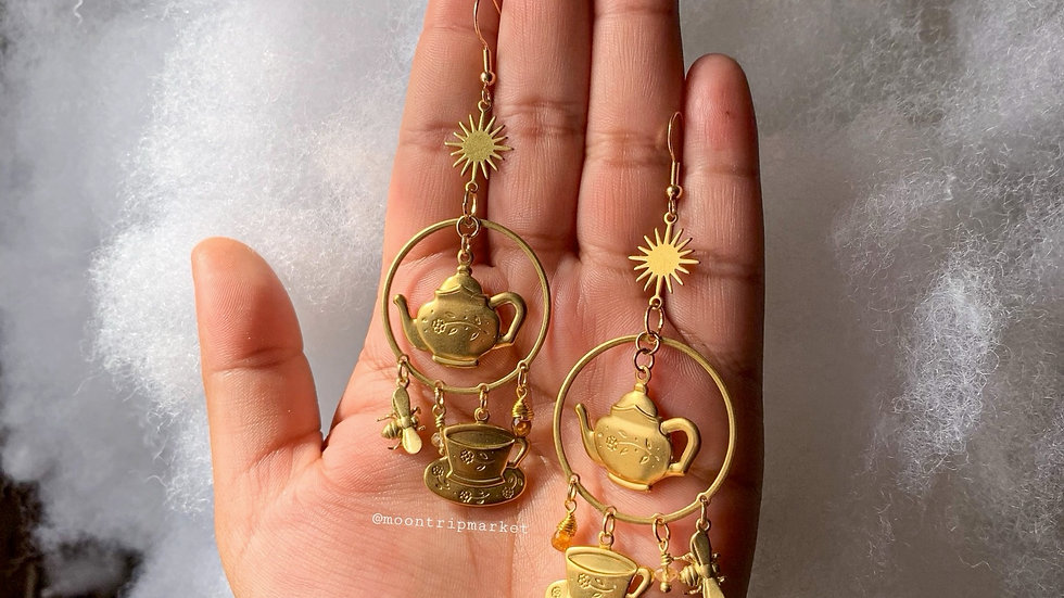 It's a Tea party Earrings