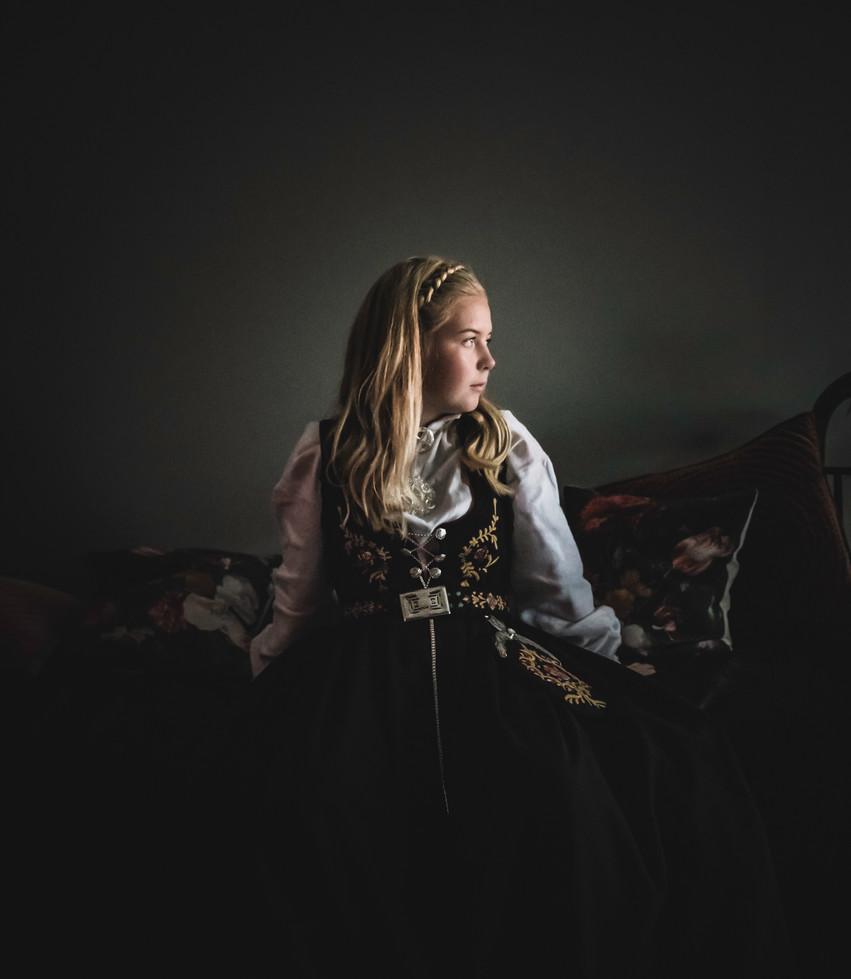 HenrietteSidePortrett.jpg