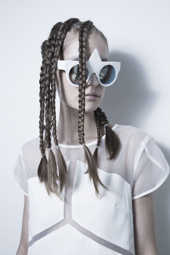 LOOK-07_White-Obsession__Boa-Campbell__2
