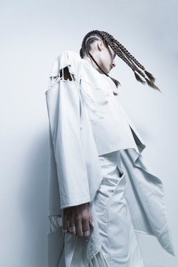 LOOK-06_White-Obsession__Boa-Campbell__2