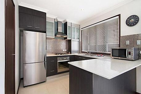 Villa 4 kitchen.jpg