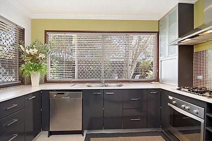 Villa 2 kitchen.jpg