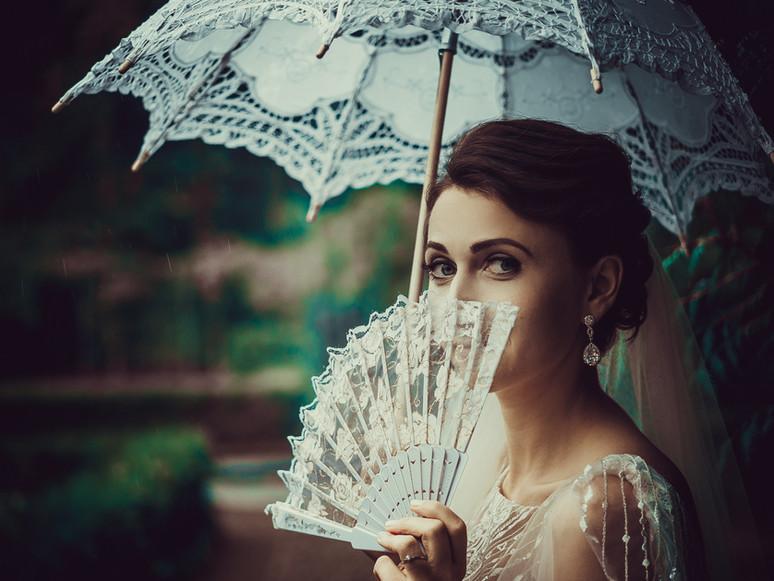 Lady im Regen