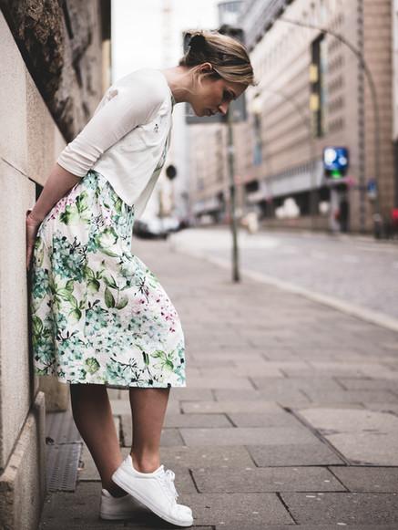 Lady in der Stadt