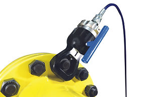 single acting nutsplitter used for removing corroded and seized nuts