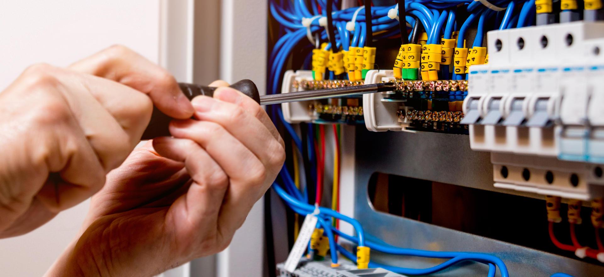 Contractors - Electrician