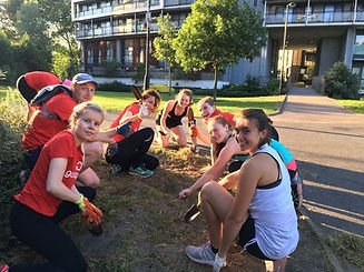 Goodgym planting a flower bed!