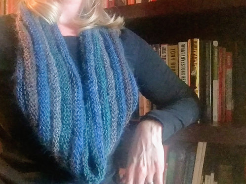 Hint of Autumn Cowl