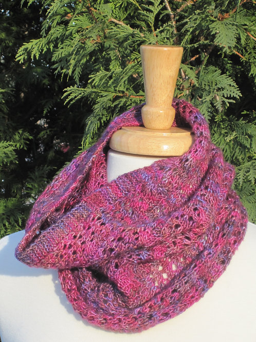 Evergreen Lace Cowl