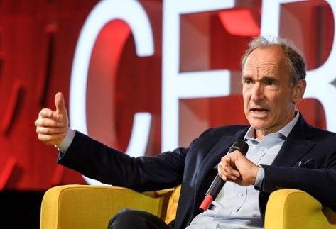 65歲還在創業!全球資訊網之父打造「數據保險箱」,如何重回理想的網路世界?