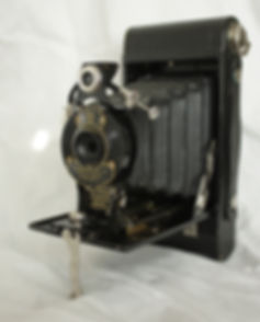 Kodak No. 2 Autographic folding pocket brownie bellows camera Kodx shutter, 120 film format The obsolte camera